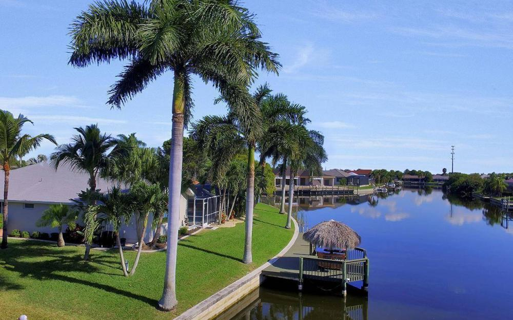 1824 SW 45th St, Cape Coral - Home For Sale 1700154428