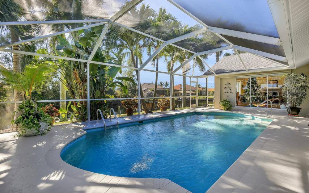 1824 SW 45th St, Cape Coral - Home For Sale 1897142724