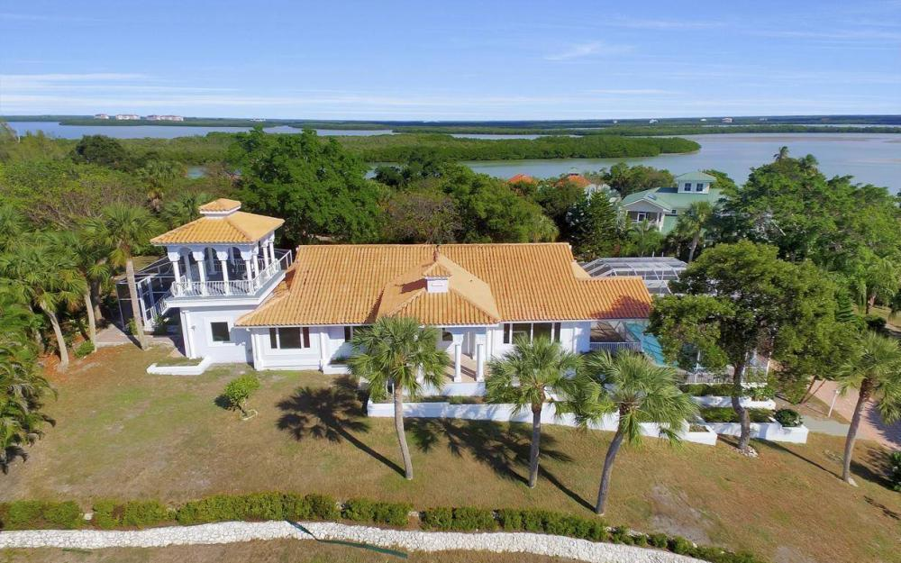 1120 Caxambas Dr, Marco Island - Home For Sale 86657028