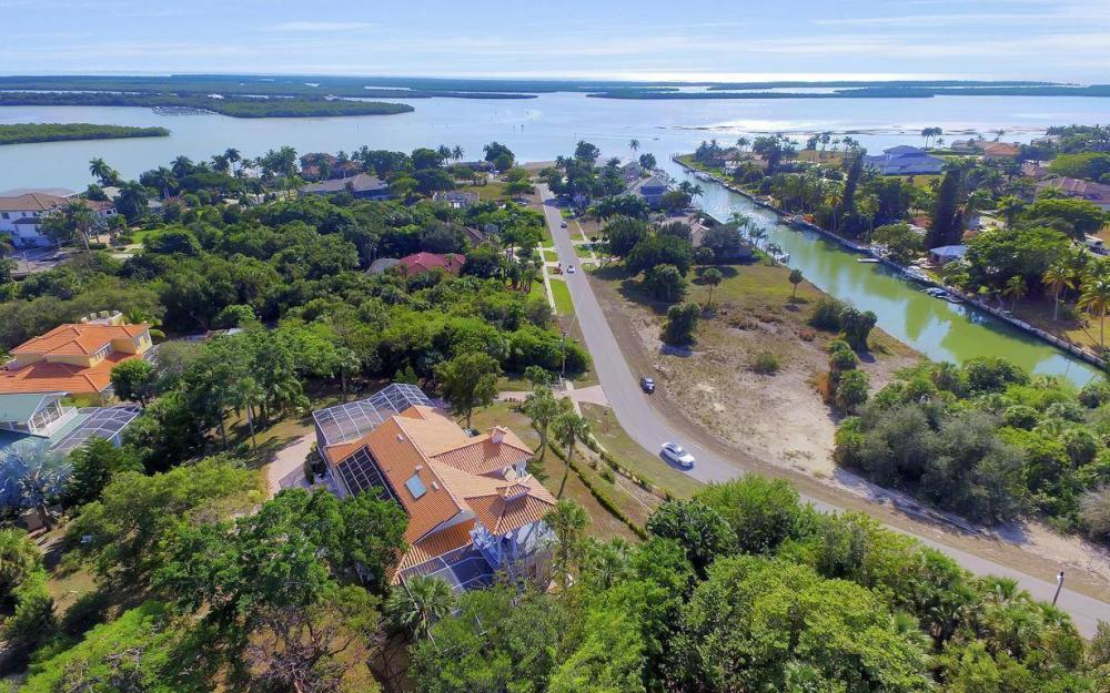 1120 Caxambas Dr, Marco Island - Home For Sale 176059752