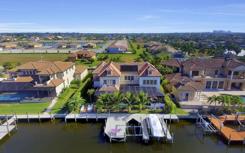 4836 SW 29th Ave, Cape Coral - Home For Sale 402622034