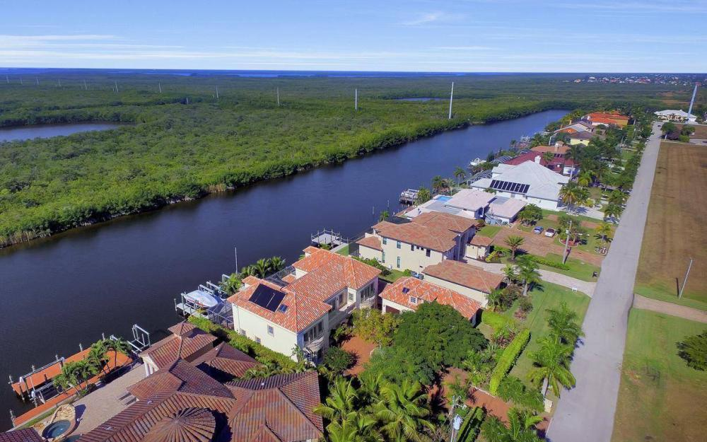 4836 SW 29th Ave, Cape Coral - Home For Sale 588538035
