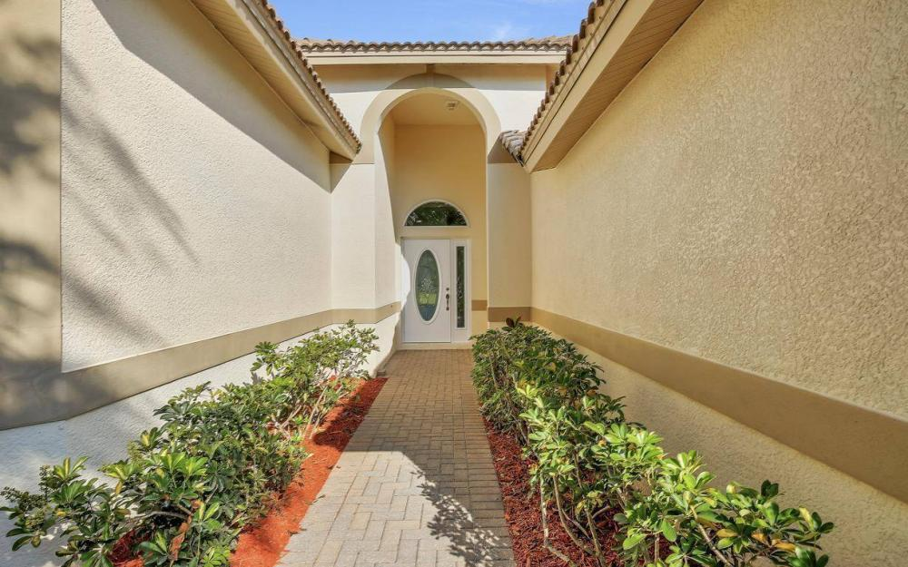 13518 Fano Ct, Estero - Home For Sale 1041053502