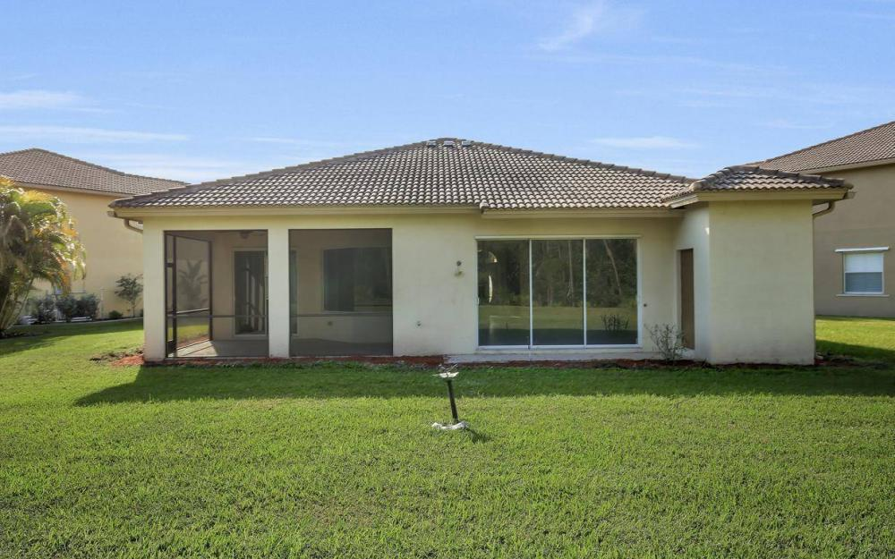 13518 Fano Ct, Estero - Home For Sale 652261931