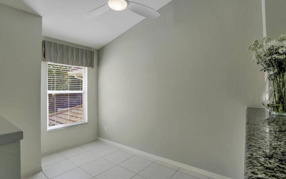 357 Emerald Bay Cir, Unit Q-5, Naples - Home For Sale 137379388