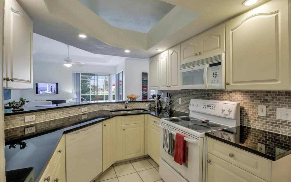 608 Mirror Lakes Falls Ct, Lehigh Acres - Home For Sale 617039603