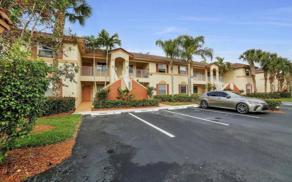 6615 Huntington Lakes Cir #102, Naples - Condo For Sale 81629479