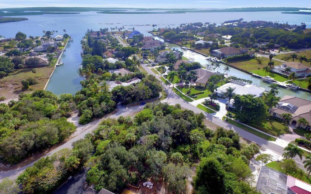 889 Scott Dr, Marco Island - Lot For Sale 1119684494