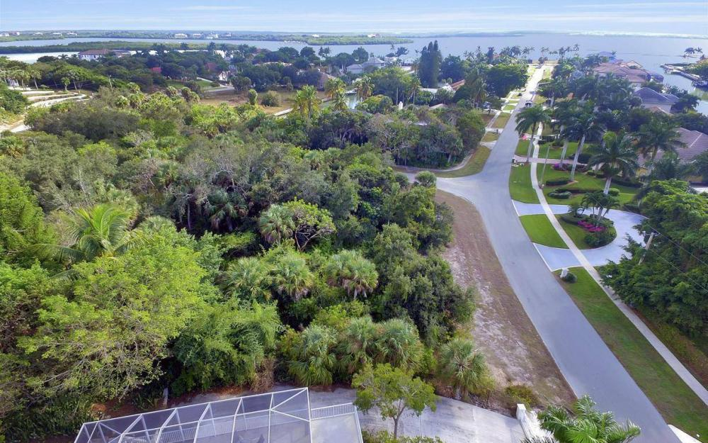 889 Scott Dr, Marco Island - Lot For Sale 139810472