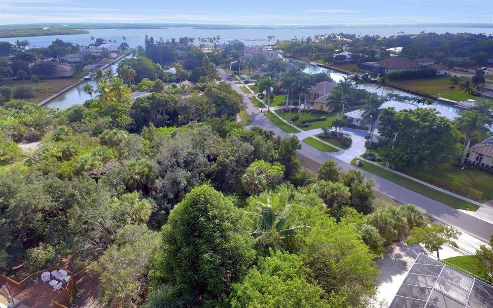 889 Scott Dr, Marco Island - Lot For Sale 474740171