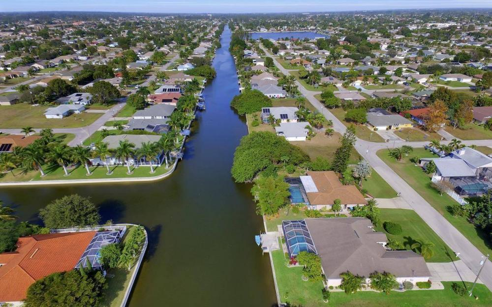 3908 SW 5th Ave, Cape Coral - Home For Sale 2052624479