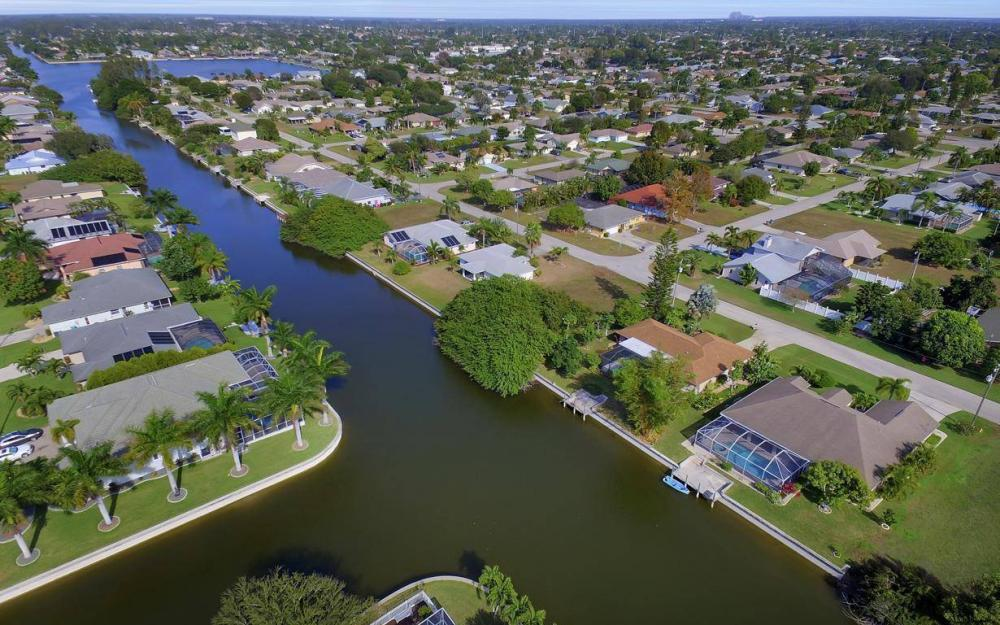 3908 SW 5th Ave, Cape Coral - Home For Sale 1344629671