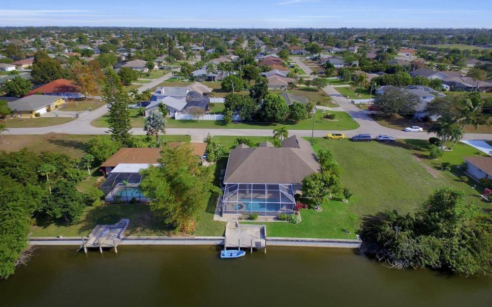 3908 SW 5th Ave, Cape Coral - Home For Sale 365766573