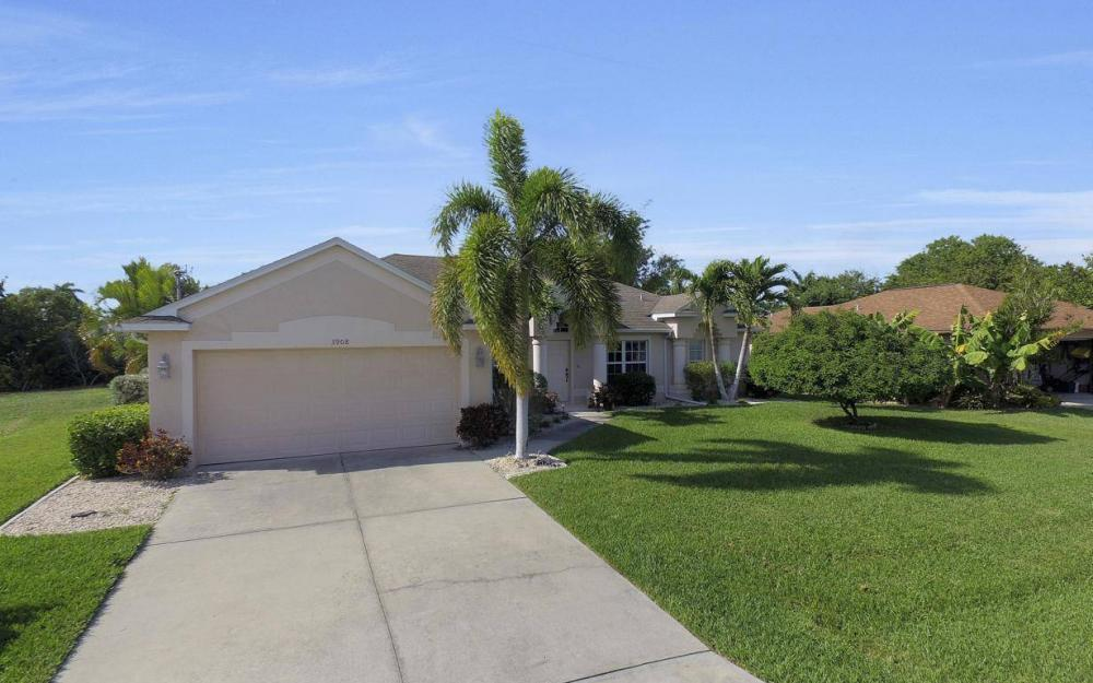 3908 SW 5th Ave, Cape Coral - Home For Sale 517911513