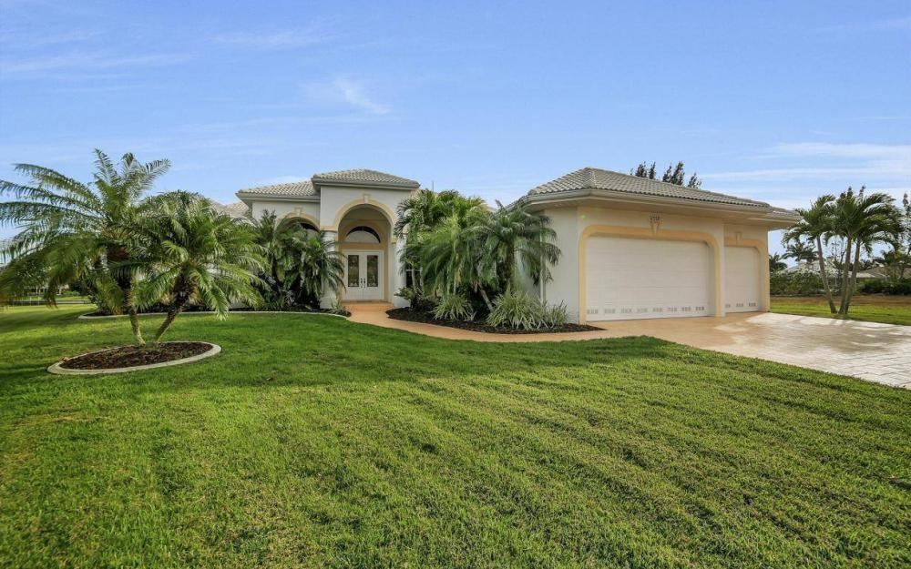 2538 SW 40th Terrace, Cape Coral - Home For Sale 1032238839