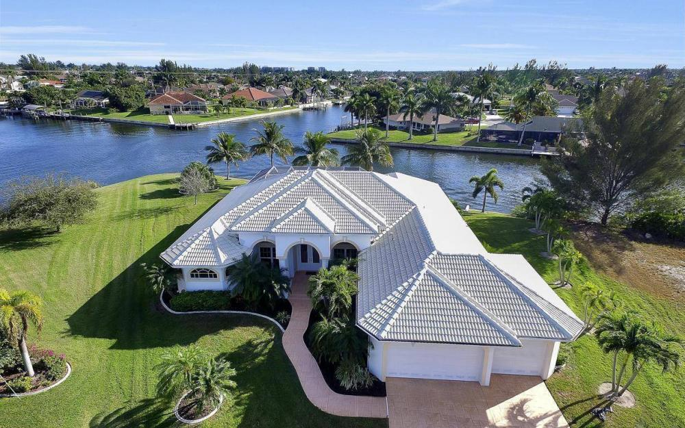 2538 SW 40th Terrace, Cape Coral - Home For Sale 260937074