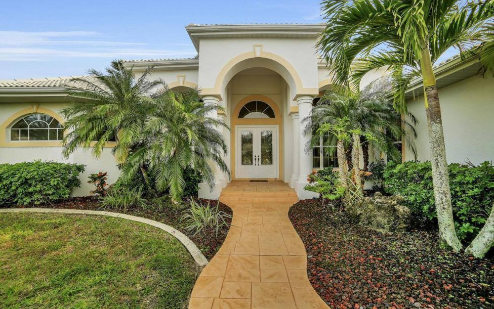 2538 SW 40th Terrace, Cape Coral - Home For Sale 808709084