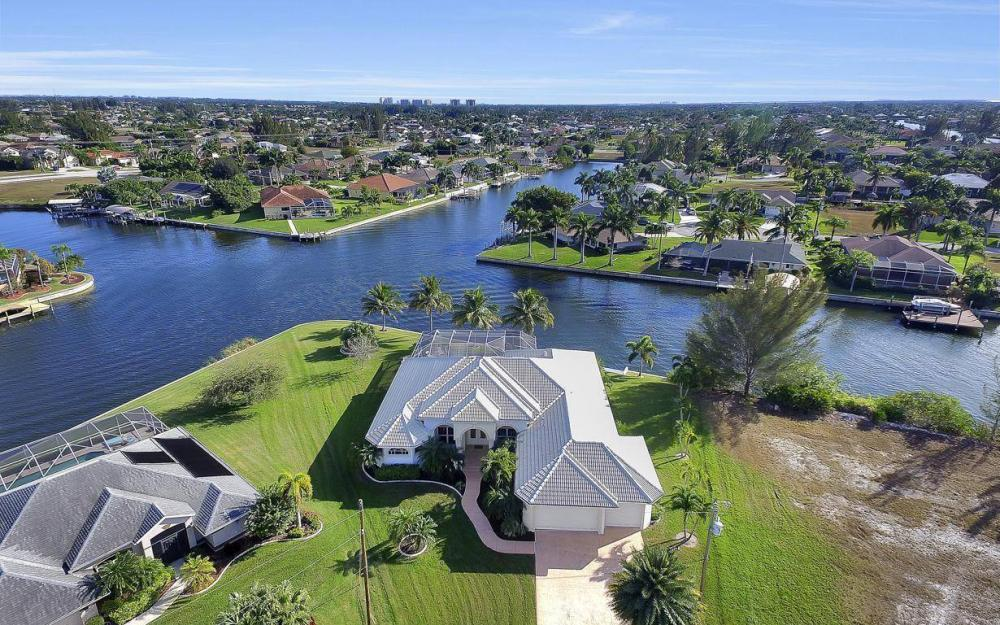 2538 SW 40th Terrace, Cape Coral - Home For Sale 754321184