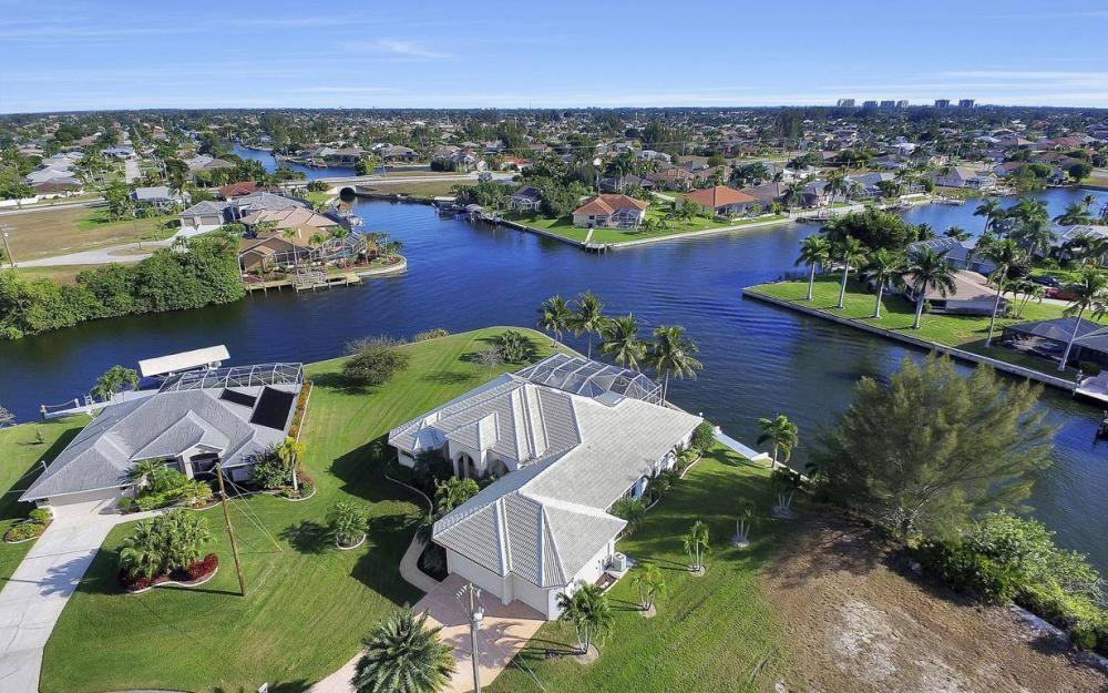 2538 SW 40th Terrace, Cape Coral - Home For Sale 362400442