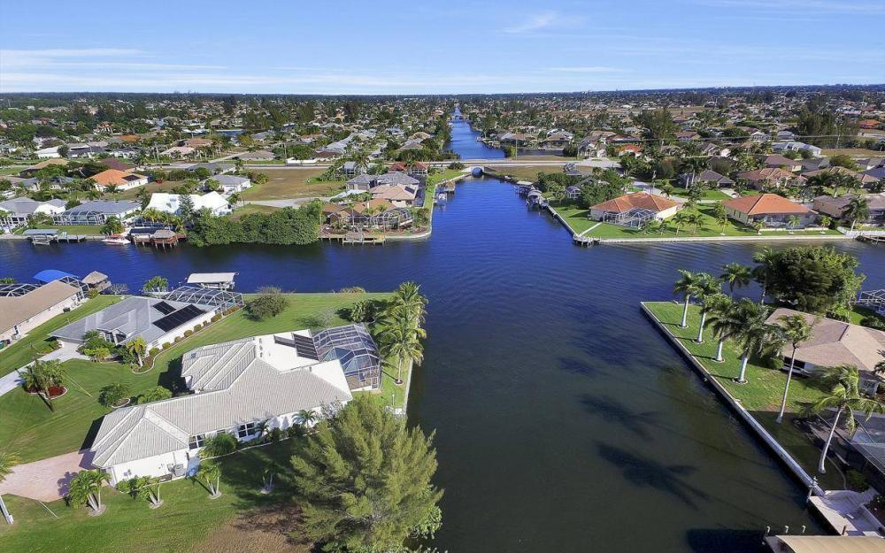 2538 SW 40th Terrace, Cape Coral - Home For Sale 2024861312