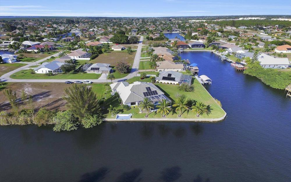 2538 SW 40th Terrace, Cape Coral - Home For Sale 1840236142