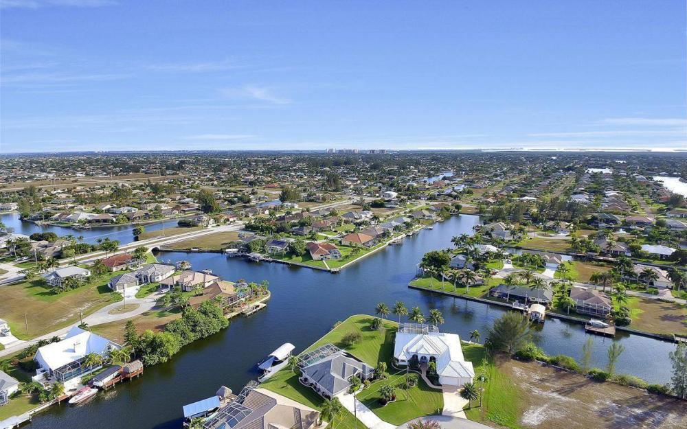 2538 SW 40th Terrace, Cape Coral - Home For Sale 286641462