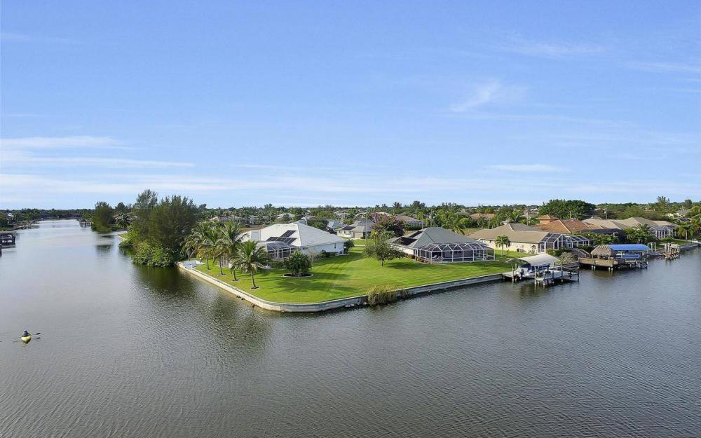 2538 SW 40th Terrace, Cape Coral - Home For Sale 1067499530