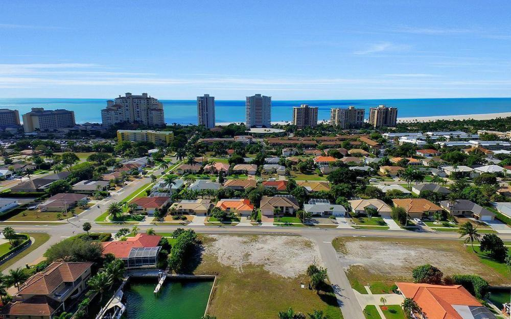 941 Plum Ct, Marco Island - Lot For Sale 705777246