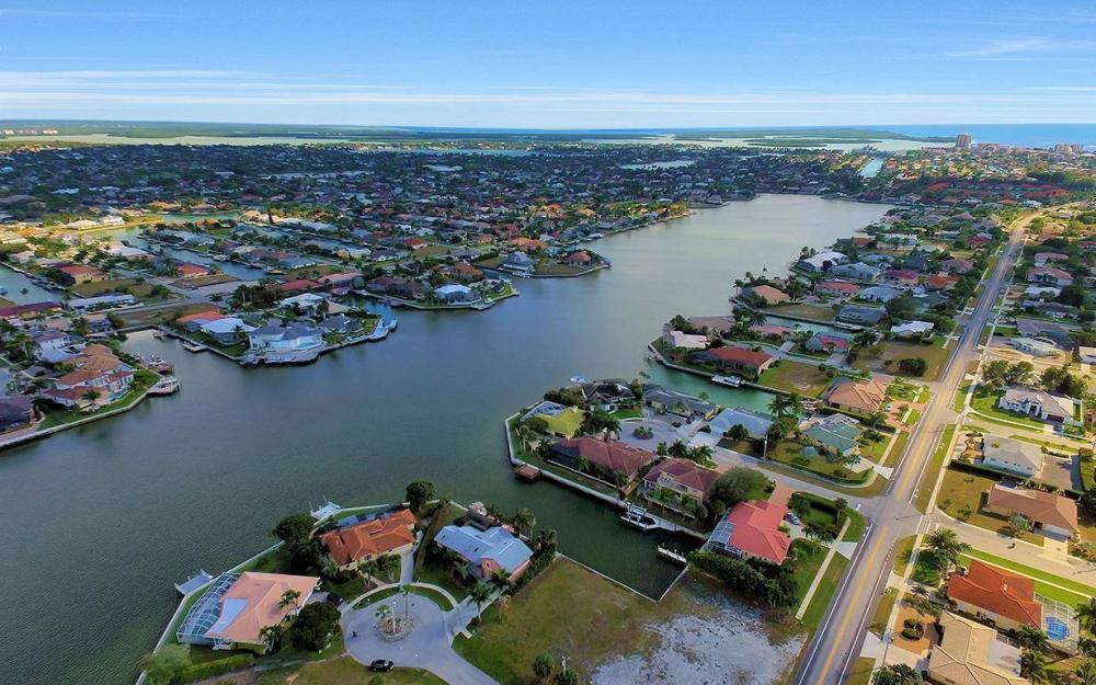 941 Plum Ct, Marco Island - Lot For Sale 1136642640
