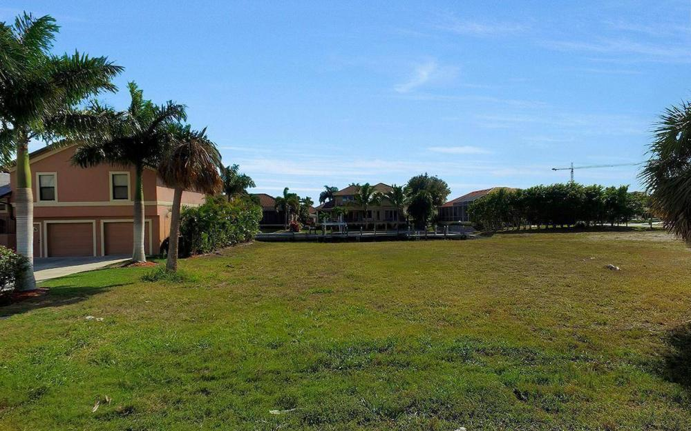 941 Plum Ct, Marco Island - Lot For Sale 607942532