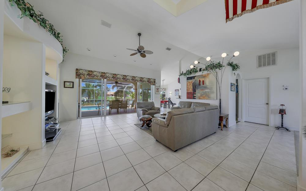 1810 SW 50th Ter, Cape Coral - Home For Sale 2013173126