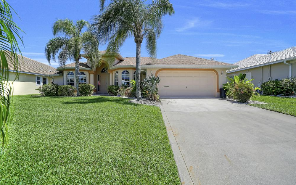 1810 SW 50th Ter, Cape Coral - Home For Sale 997070572