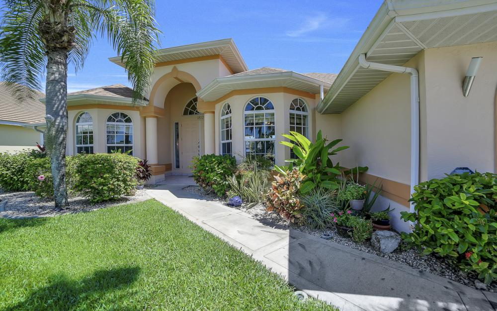 1810 SW 50th Ter, Cape Coral - Home For Sale 1893724591