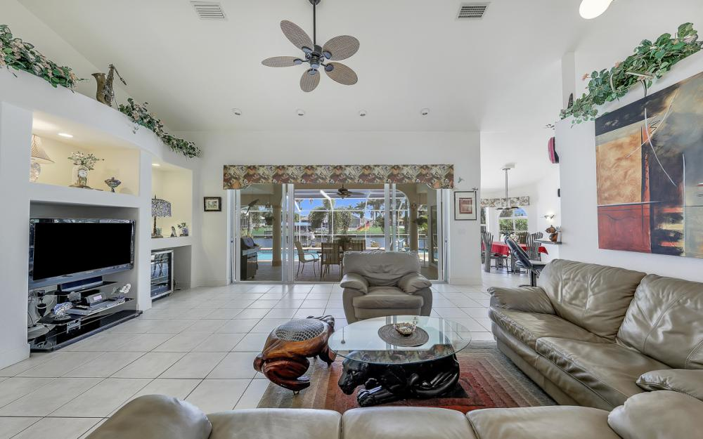 1810 SW 50th Ter, Cape Coral - Home For Sale 341339067