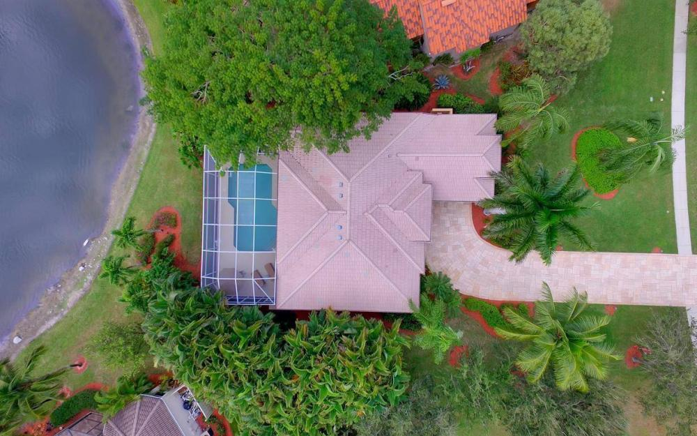 8313 Tuliptree Pl, Naples - Home For Sale 52810586
