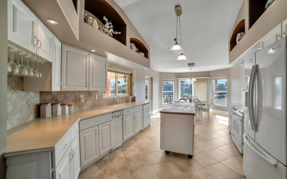 815 Bluebonnet Ct, Marco Island - Home For Sale 806990979