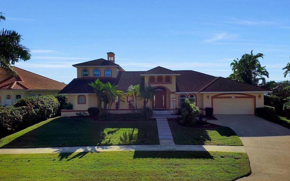 815 Bluebonnet Ct, Marco Island - Home For Sale 976122673