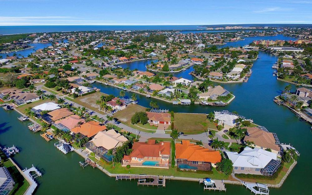 815 Bluebonnet Ct, Marco Island - Home For Sale 1953160024