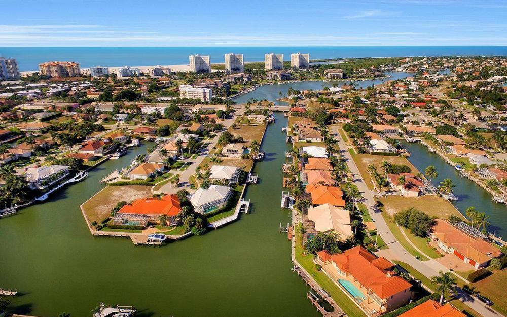 815 Bluebonnet Ct, Marco Island - Home For Sale 434549102