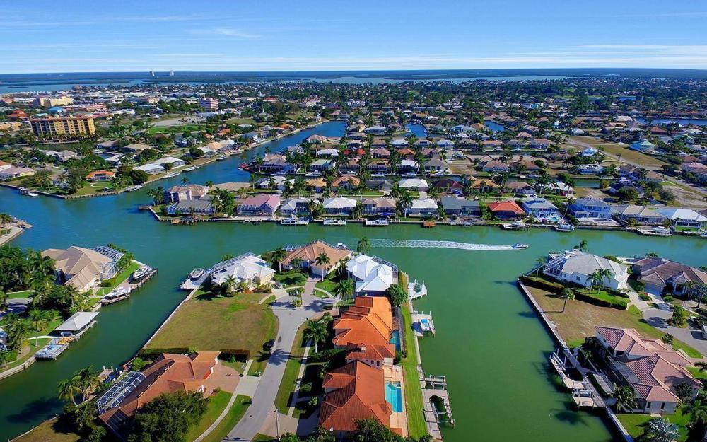 815 Bluebonnet Ct, Marco Island - Home For Sale 430327425