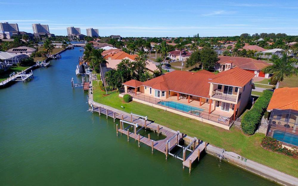 815 Bluebonnet Ct, Marco Island - Home For Sale 58047808