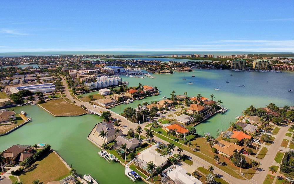 960 N Barfield Dr, Marco Island - Home For Sale 280605166