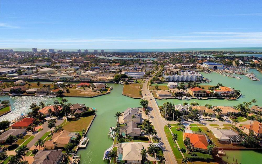 960 N Barfield Dr, Marco Island - Home For Sale 747178137