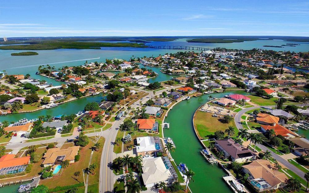 960 N Barfield Dr, Marco Island - Home For Sale 992670754