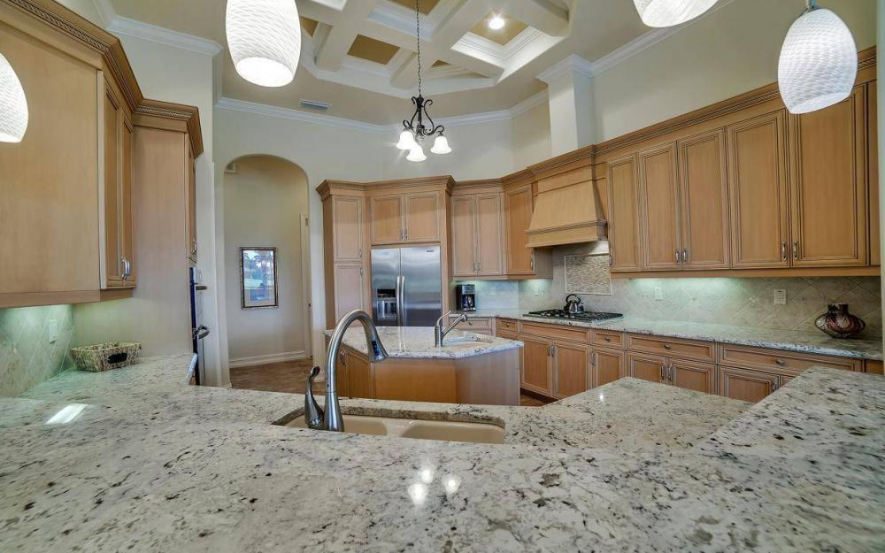 28510 Raffini Ln, Bonita Springs - Home For Sale 1040407398