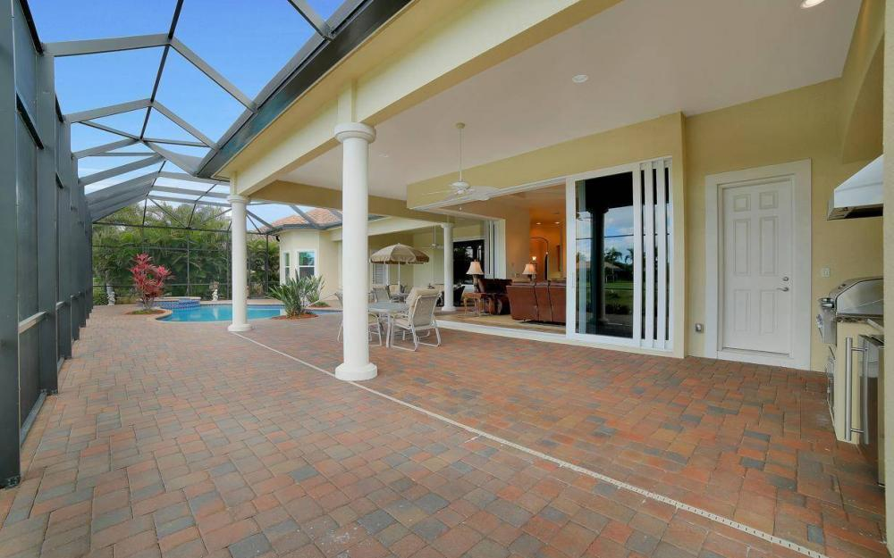 28510 Raffini Ln, Bonita Springs - Home For Sale 645231350