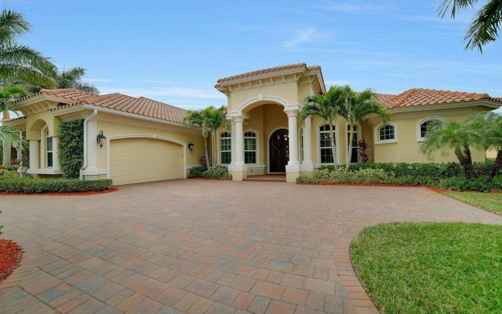 28510 Raffini Ln, Bonita Springs - Home For Sale 601726870