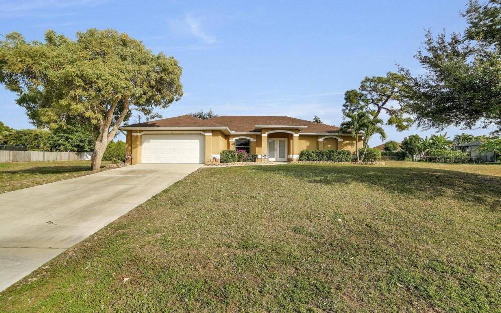 4611 SW 14th Ave, Cape Coral - Home For Rent 1265017573
