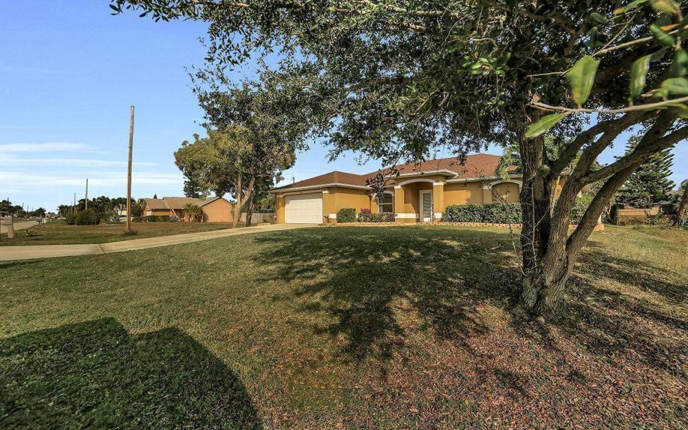 4611 SW 14th Ave, Cape Coral - Home For Rent 399272870