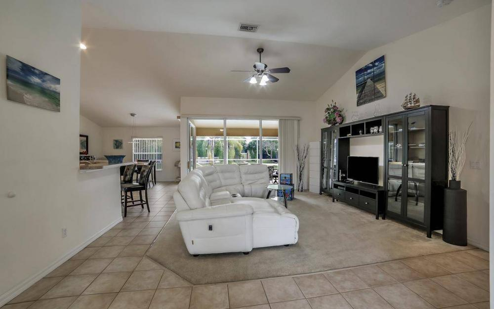 4611 SW 14th Ave, Cape Coral - Home For Rent 573873237